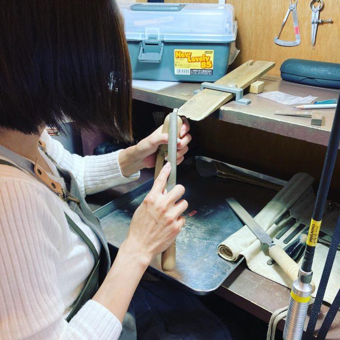 ジュエリーをつくろうヤスリがけサイズに合わせるための彫金三大要素#彫金教室