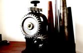 平ローラーミル、ブレス芯金 延板を作るための機械。周りを気にせずに作業できます。