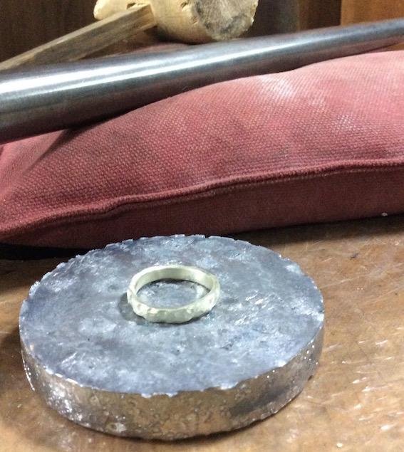 彫金教室〈鉛の板〉